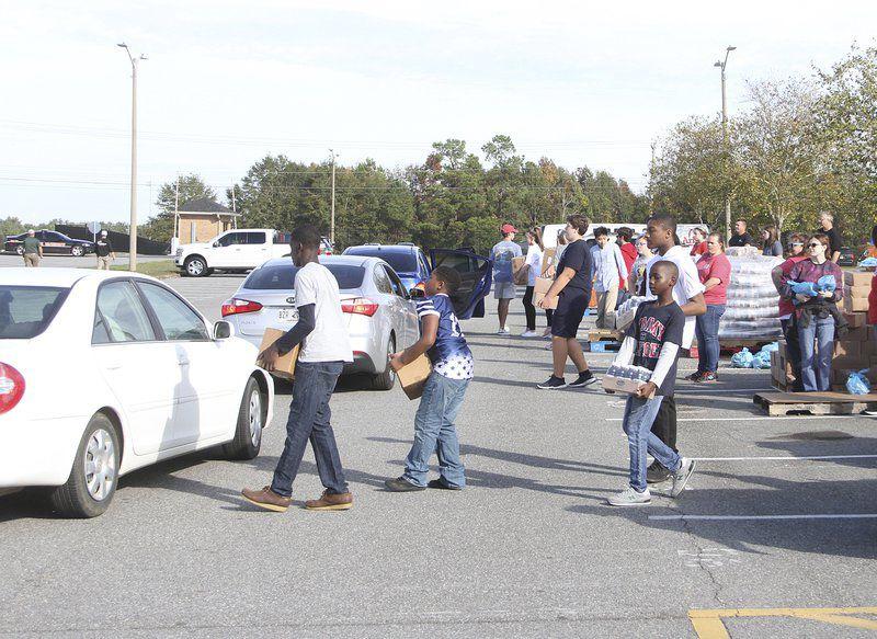 Second Harvest serves Thanksgiving for Thousands