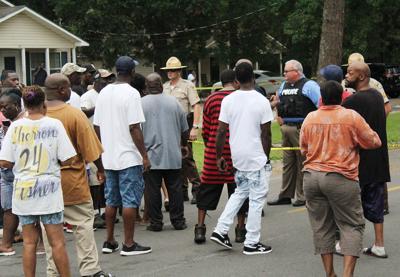 Magnolia Street crowd