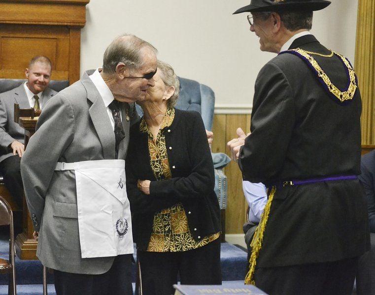 Masons honor longtime members