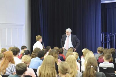 Thompson talks parenting at Brookwood School