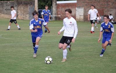 Boys' soccer wins at Grayson County, ties Lyons