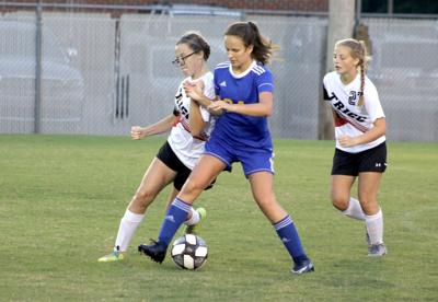 Girls' soccer wins first two games of season