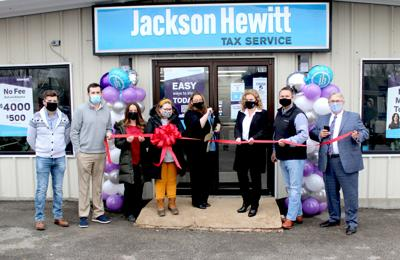 Jackson-Hewitt opens new location with ceremony