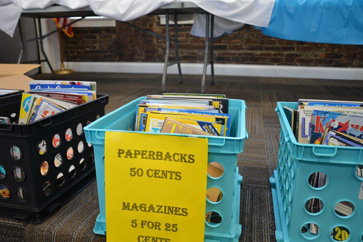 Library holds book sale