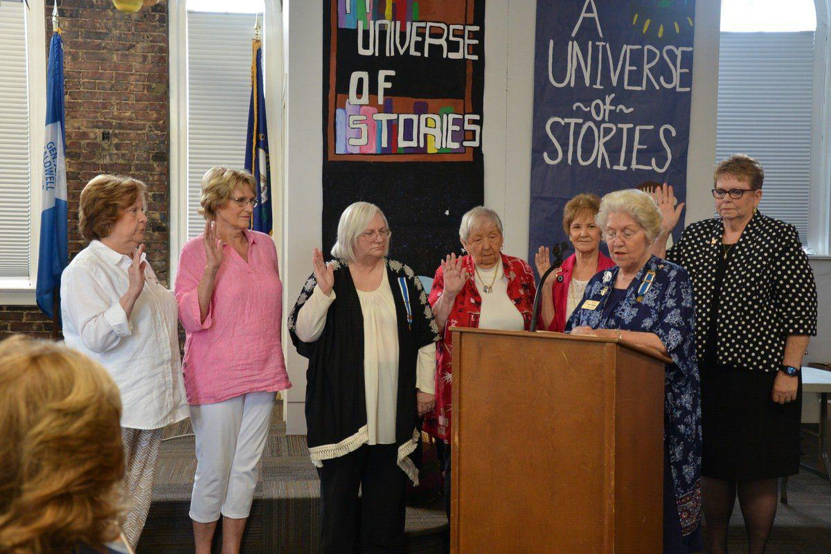 Daughters of the American Revolution holds meeting