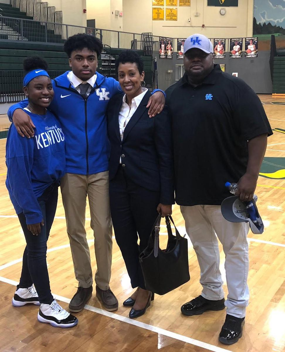 South Carolina recruit's family could tell Kentucky coaches were 'genuine'