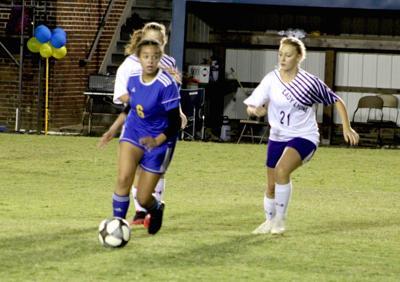 Girls' soccer shuts out Lyon County, preps for MNH battle