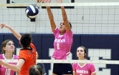 Raiders volleyball perfect at 9-0, final two road games canceled