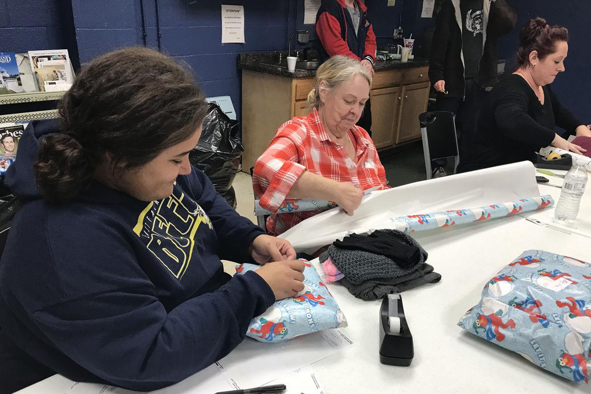 soup opera prepares christmas gifts for the less fortunate photos