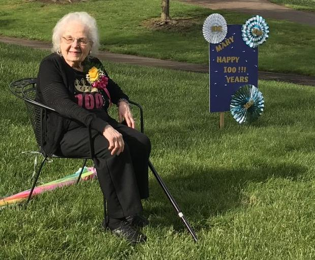 Lifetime Fairmont resident honored with parade for 100th birthday