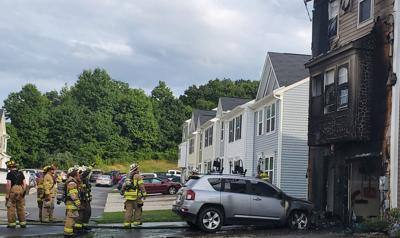 Firefighters act swiftly to put out apartment complex fire