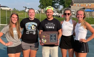 Huskies' girls tennis team captures first-ever regional title