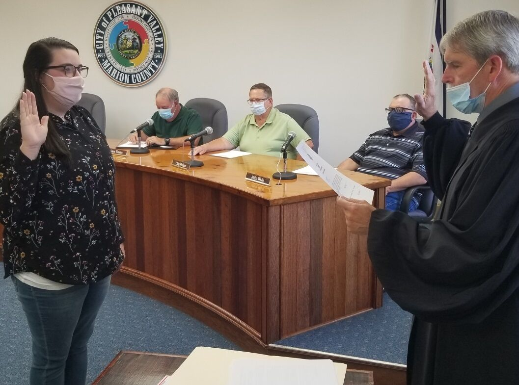 Haddix, new council sworn in