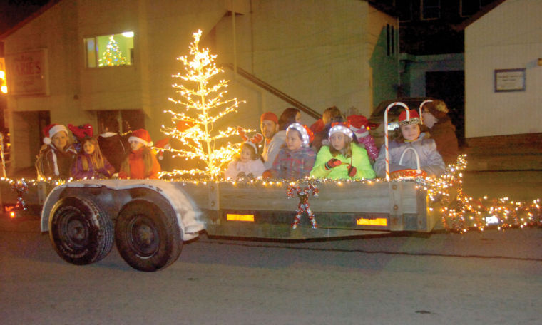 Trailer City Fairmont Wv >> Many view Fairmont Christmas parade as kickoff to holiday season | Local News | timeswv.com