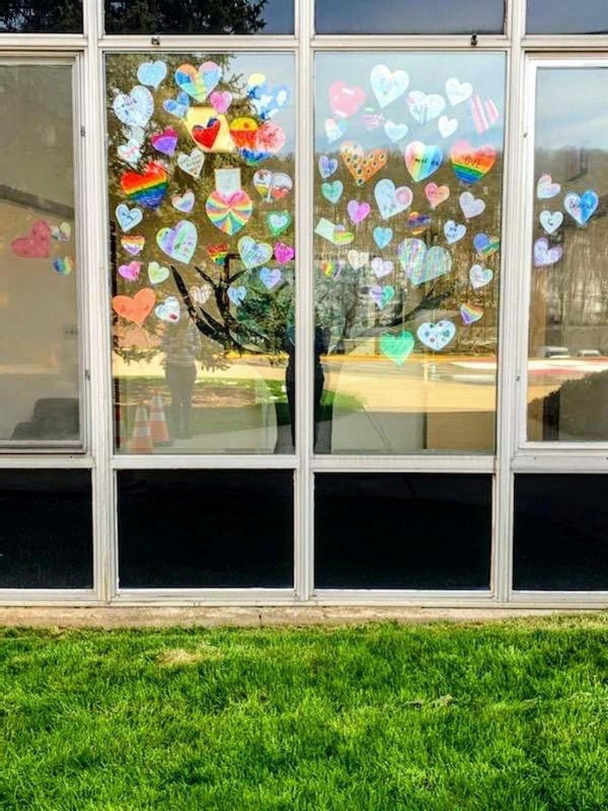 Austin students decorate hearts for hospital