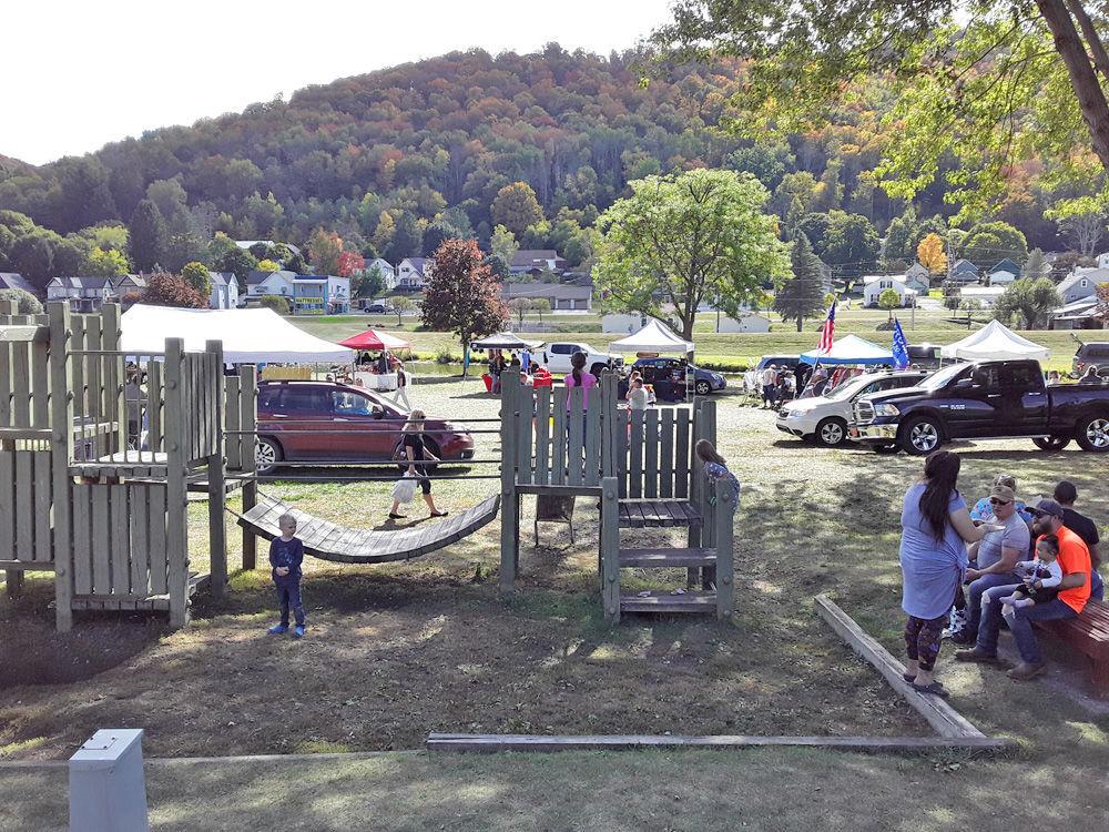 Galeton celebrates fall at festival