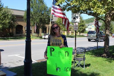 Rachel Crostley urges parent choice on masking