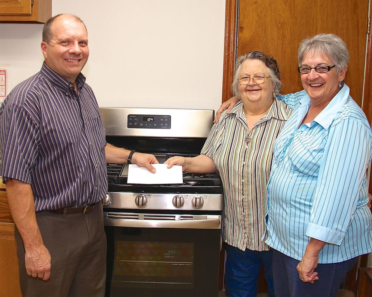 Rotary Club buys new stove for senior center