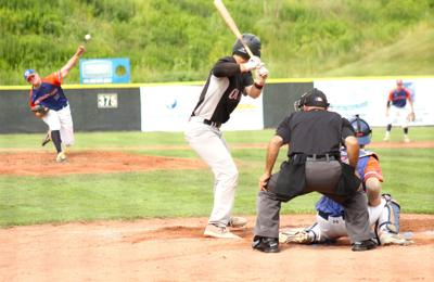 Quigley leads Destroyers from mound