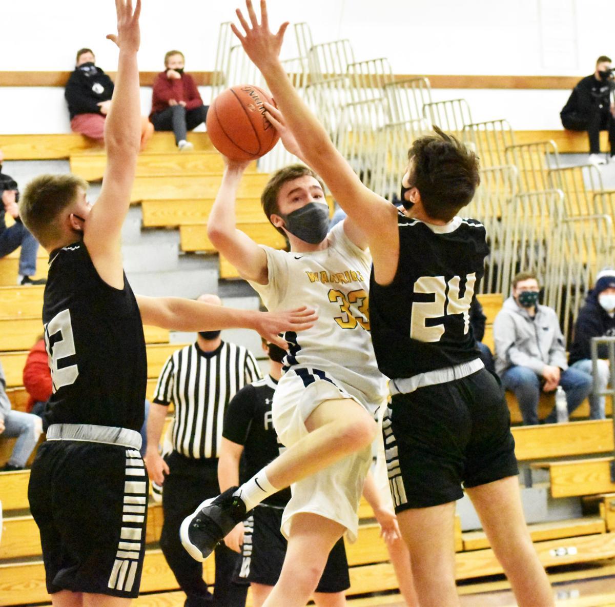 Everett goes up between defenders