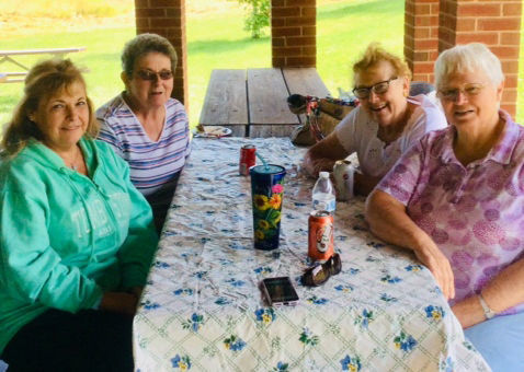 PASR retirees attend picnic