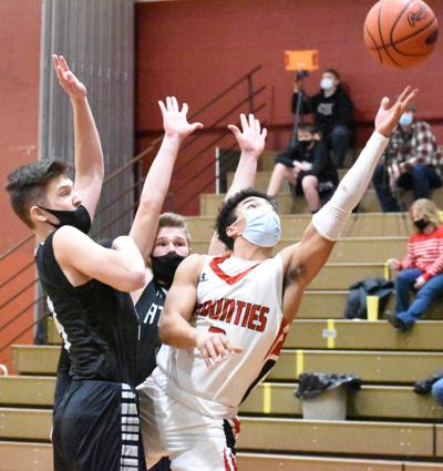 Spencer scores basket