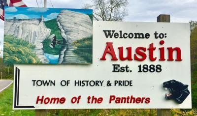 New signs welcome Austin visitors