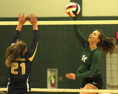 Shiloh Duff attacks the net