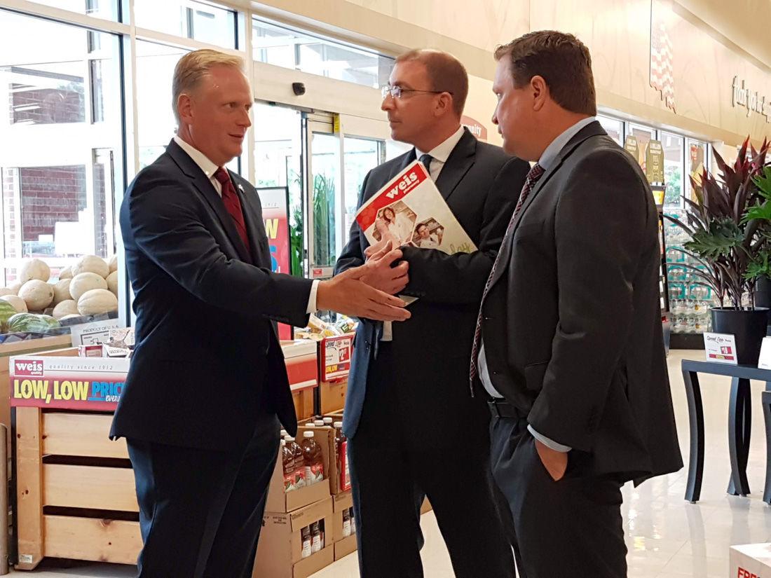 Congressman visits Weis
