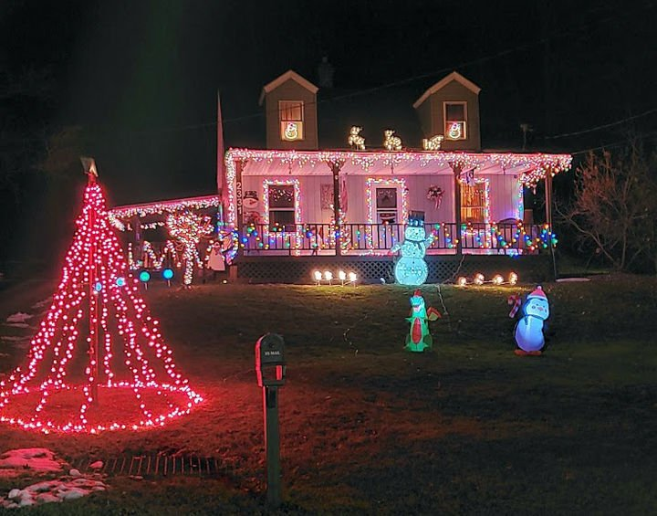 Cameron county announces holiday decorating winners