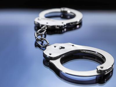 3000-01-01-mp-policehandcuffs.jpg