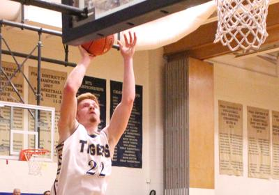 Meyer finishes with 15 in All-Star game