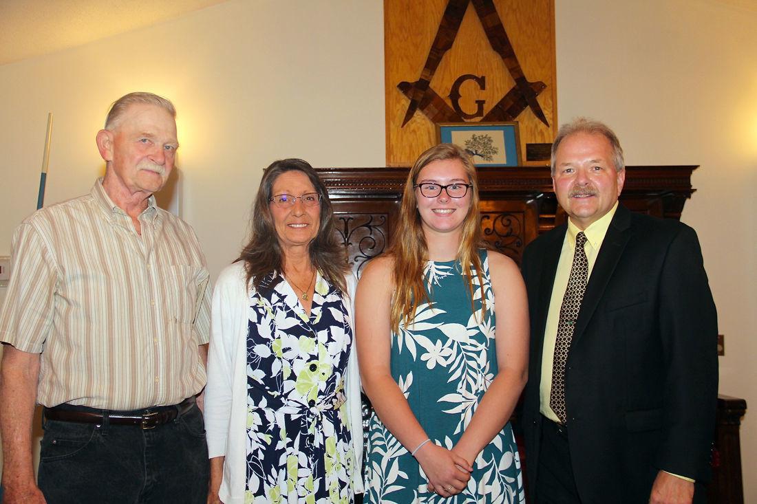 Keck receives scholarship