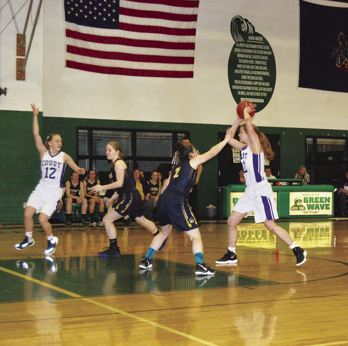 Coudy girls win over NoPo, fall to N  Clarion   Potter