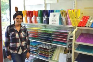 New store  helps customers  make decorative decals