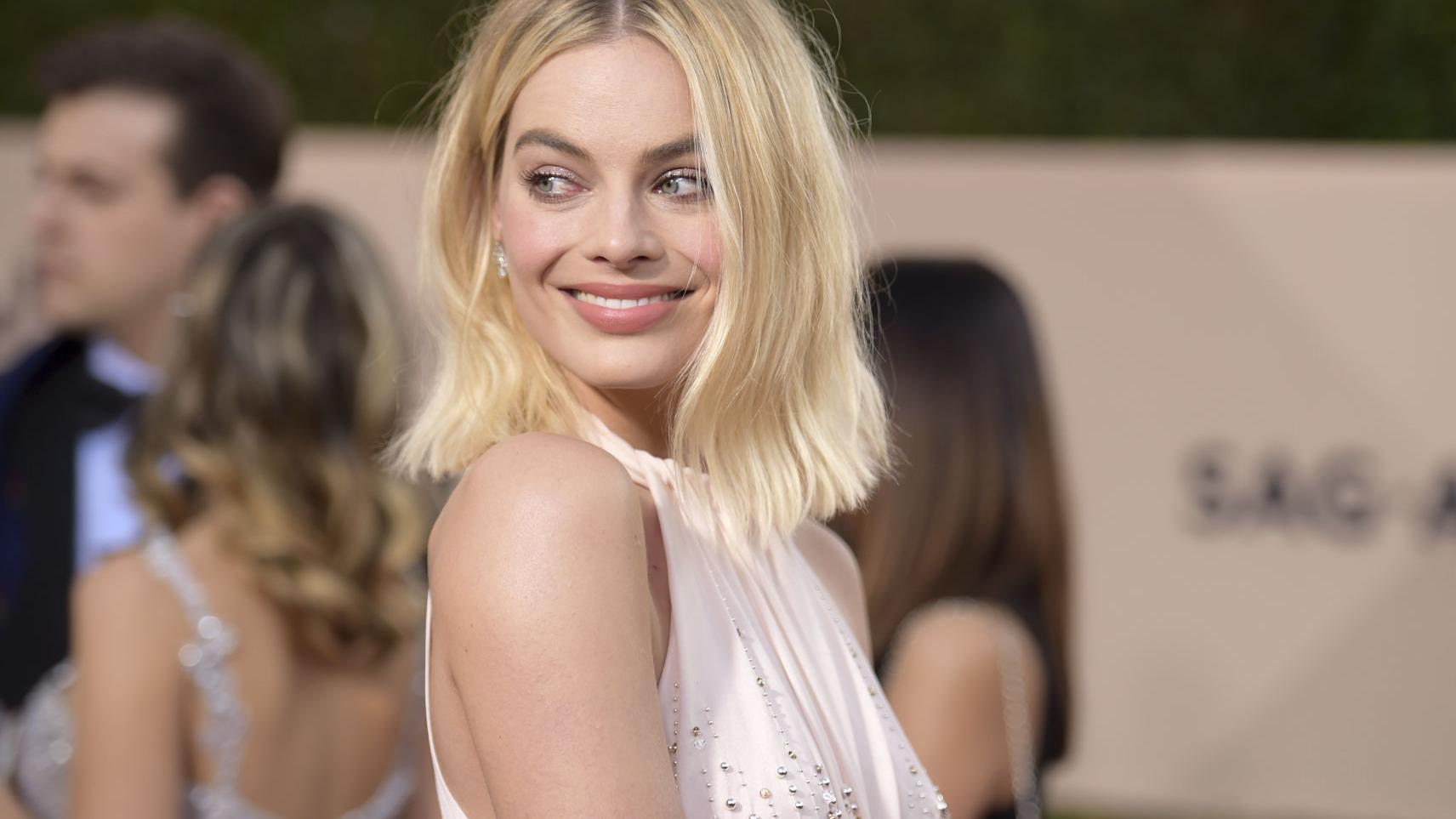 Scenes from the red carpet at the 24th annual SAG Awards