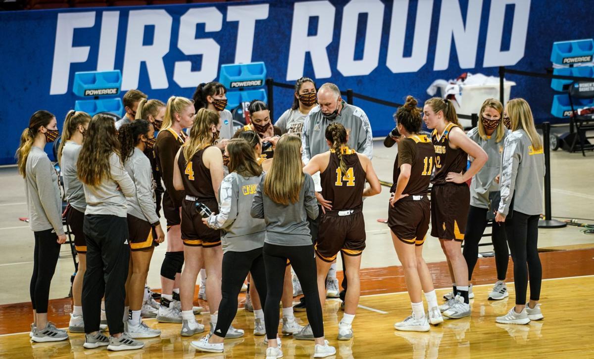 UW-UCLA women's hoops