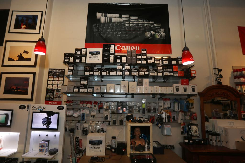 Despite internet competition, Wyoming camera store hits 10
