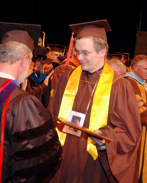 Son accepts late father\'s degree from University of Wyoming ...