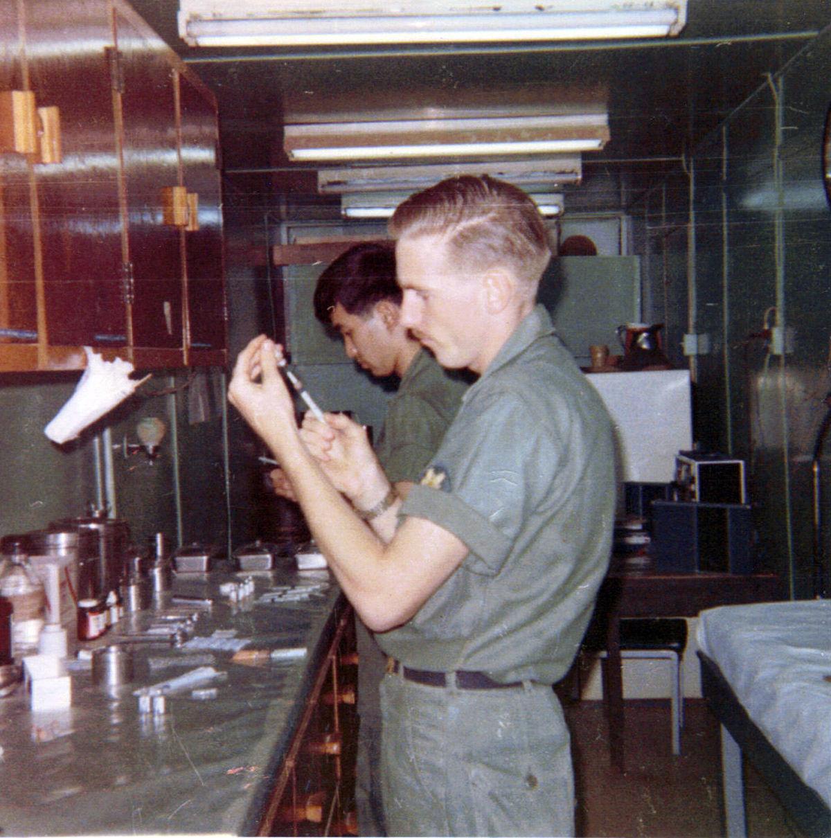 Jim Arndt_aid station_Long Binh_1968