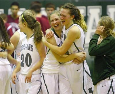 Prep girls basketball: Kelly Walsh caps dramatic comeback on