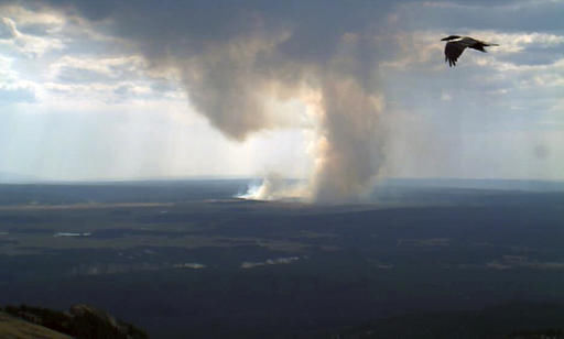 5 fires burning in Yellowstone continue to grow