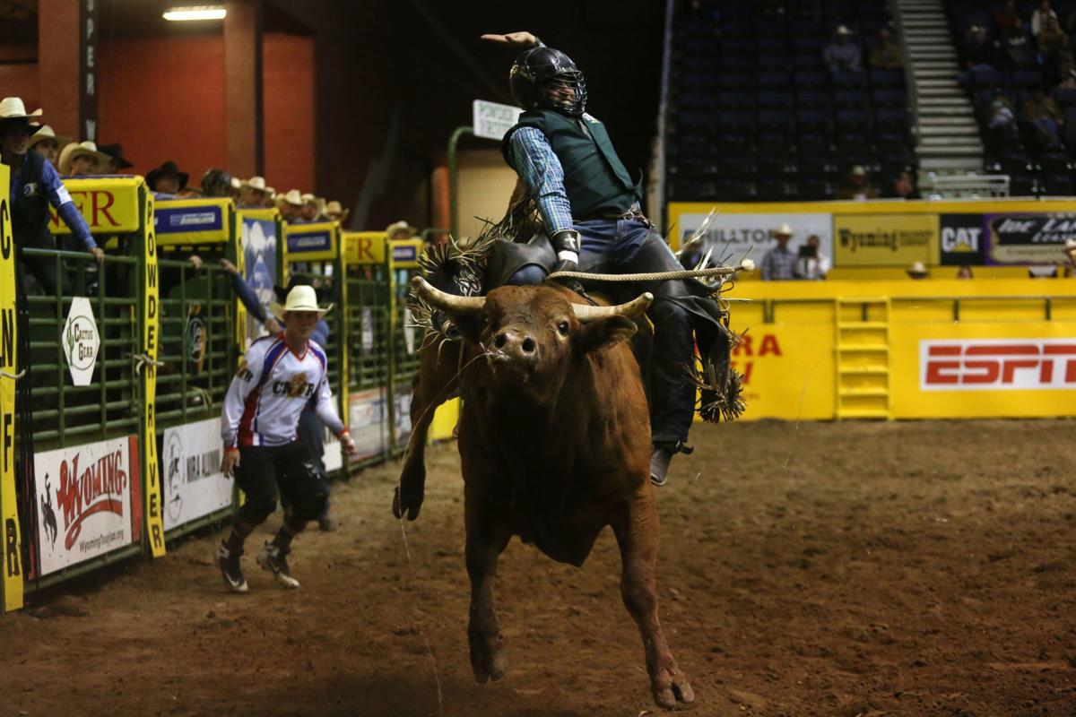 CNFR: Bull riding