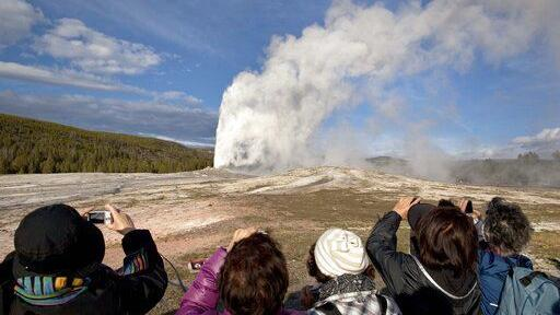Study: Climate change could interrupt Yellowstone geysers