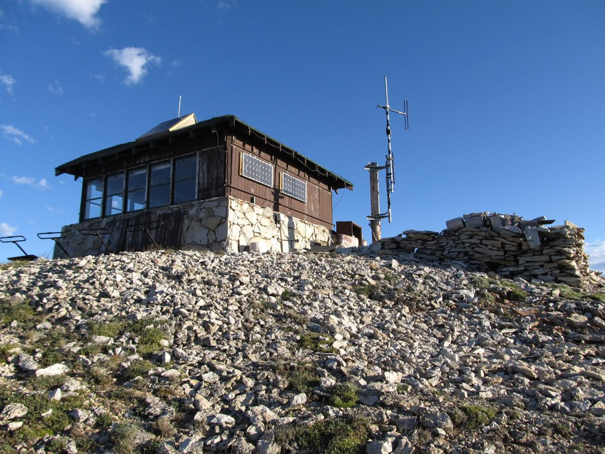 Mount Holmes lookout tower fire