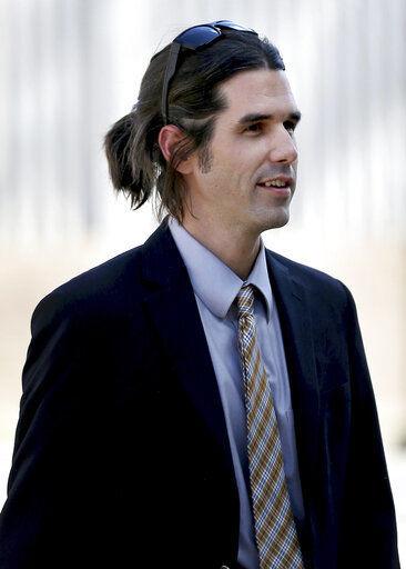 Jury deadlocks on charges against Arizona border activist