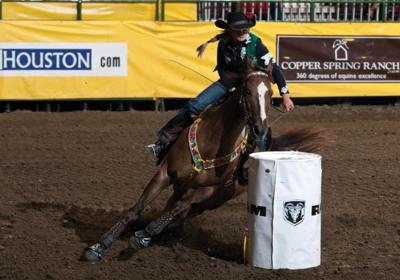 Cnfr Barrel Racers Rise Early For A Fast Start Rodeo