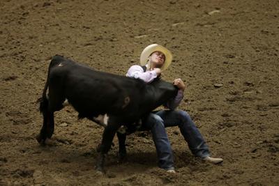 CNFR: Steer Wrestling