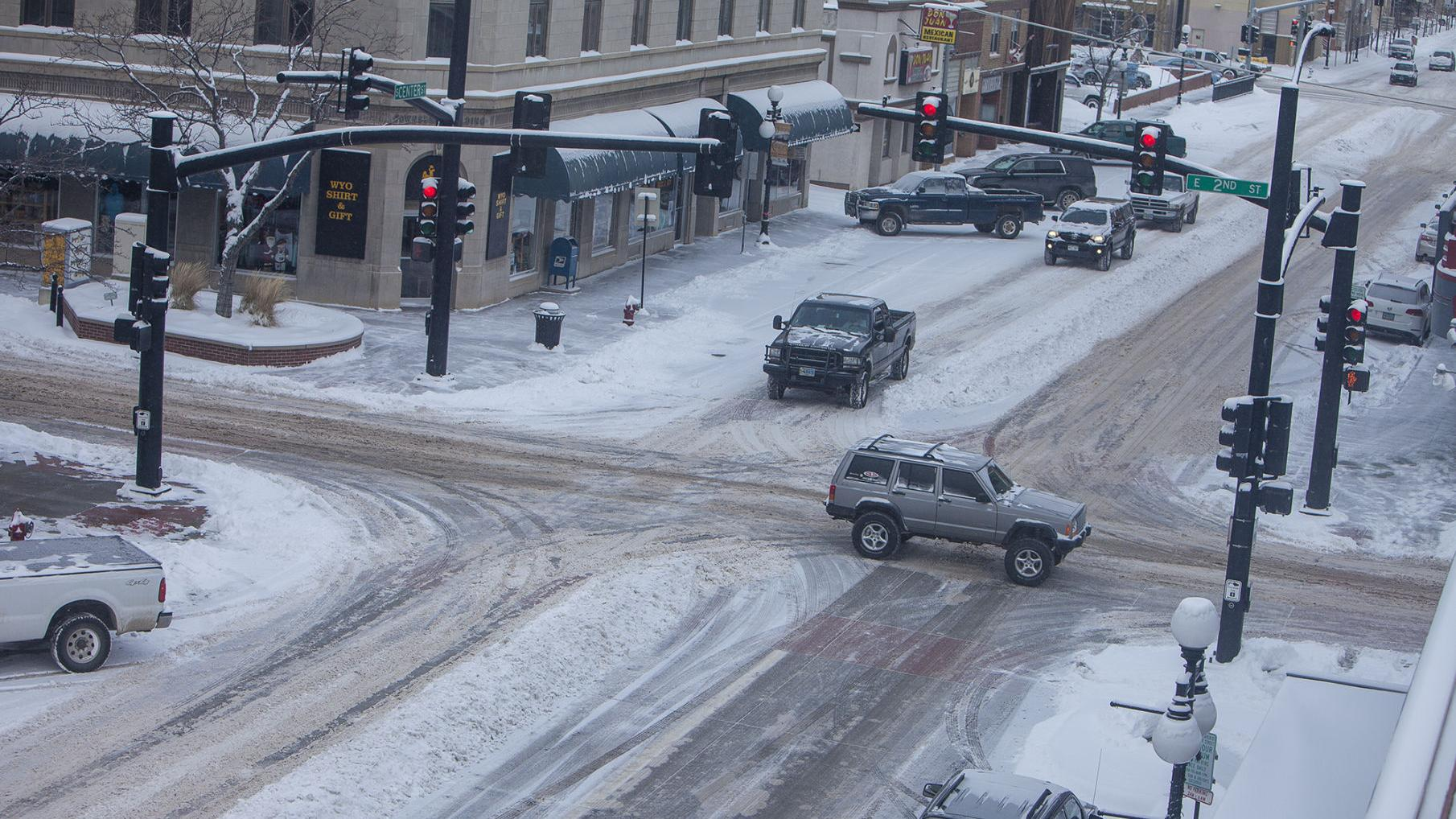Winter storm hits Casper; police ask drivers to exchange information after an accident unless there are injuries