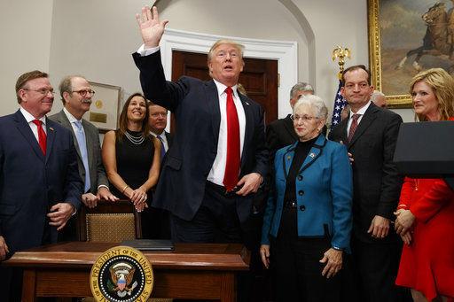 Trump cuts off insurers, rattling health market